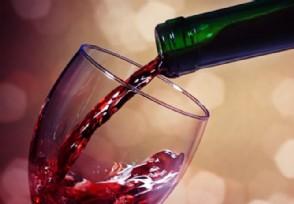拉菲红酒多少钱一瓶82年的拉菲超级贵!