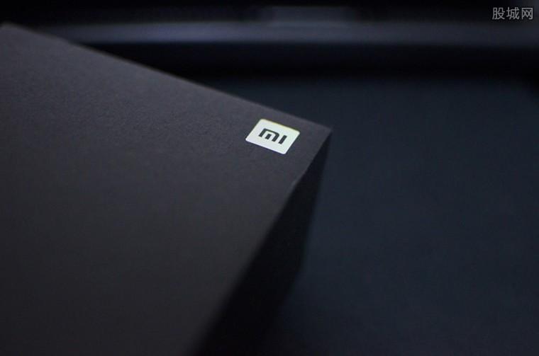 小米新机曝出 搭载超大底2亿像素传感器